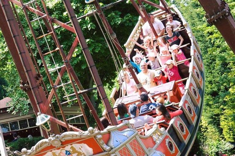 swinging pirate ship
