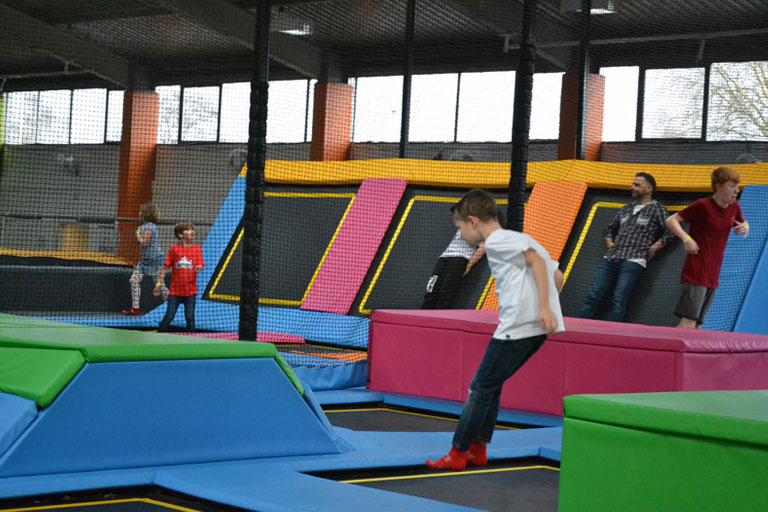 kids playing at ibounce