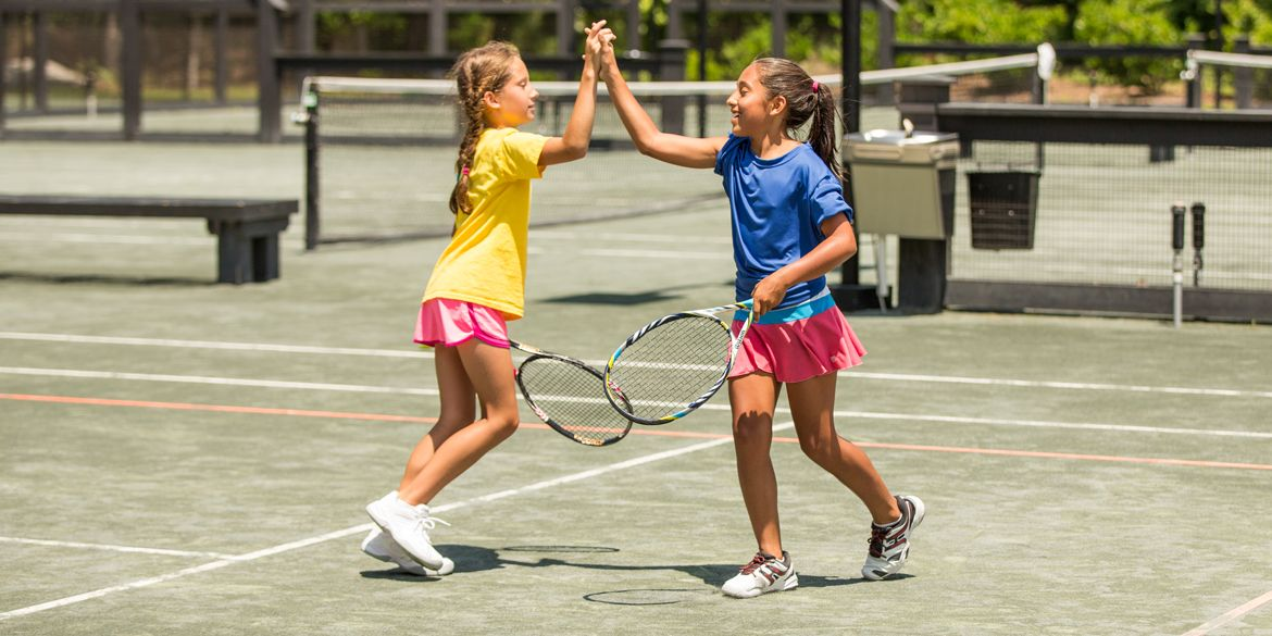 Free Tennis Lessons For Kids: Find Sessions Near You header image