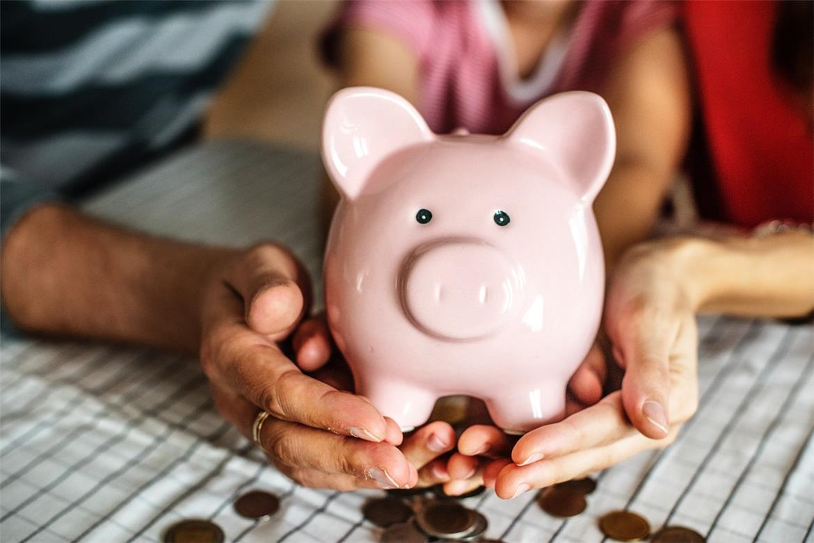 Family Money Saving Tips:10 Top Tips for Frugal Families header image