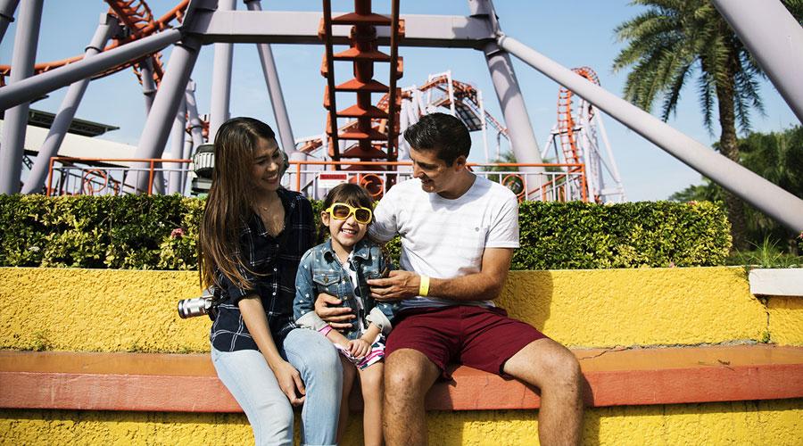 Theme Parks where Kids Go Free header image