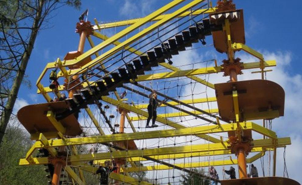 gullivers kingdom climbing frame