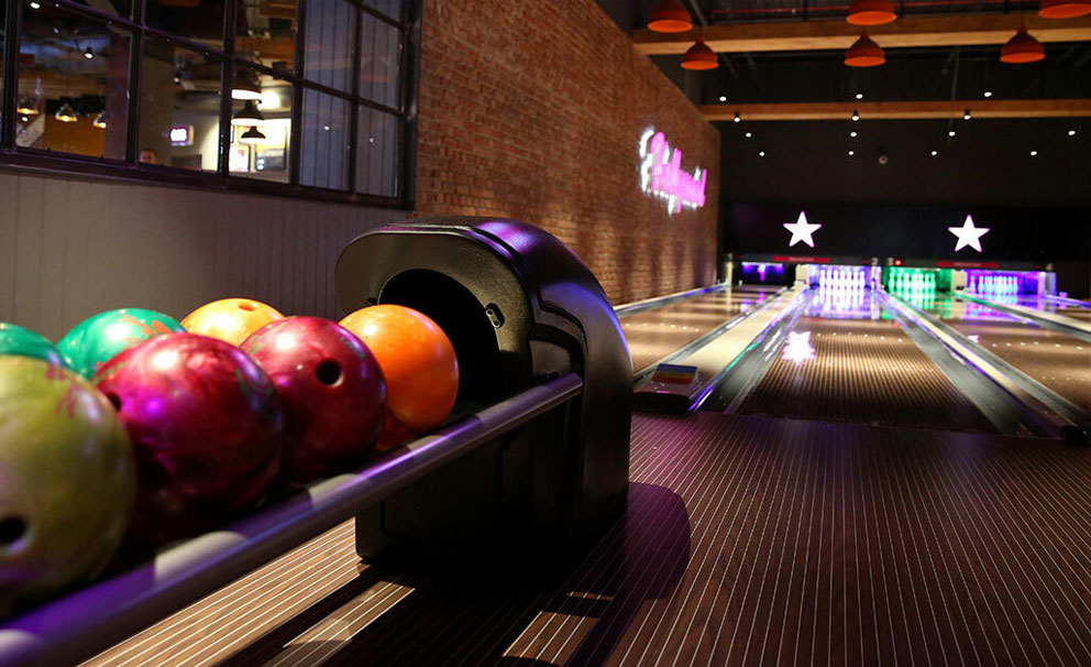 hollywood bowl bowling alley